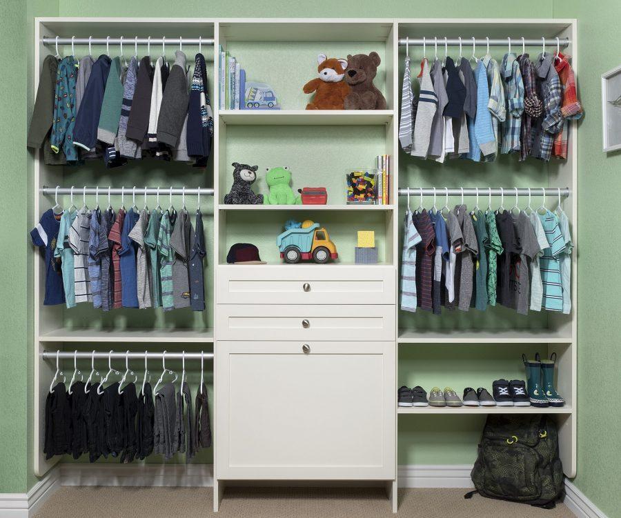 reach-in open closet for boys