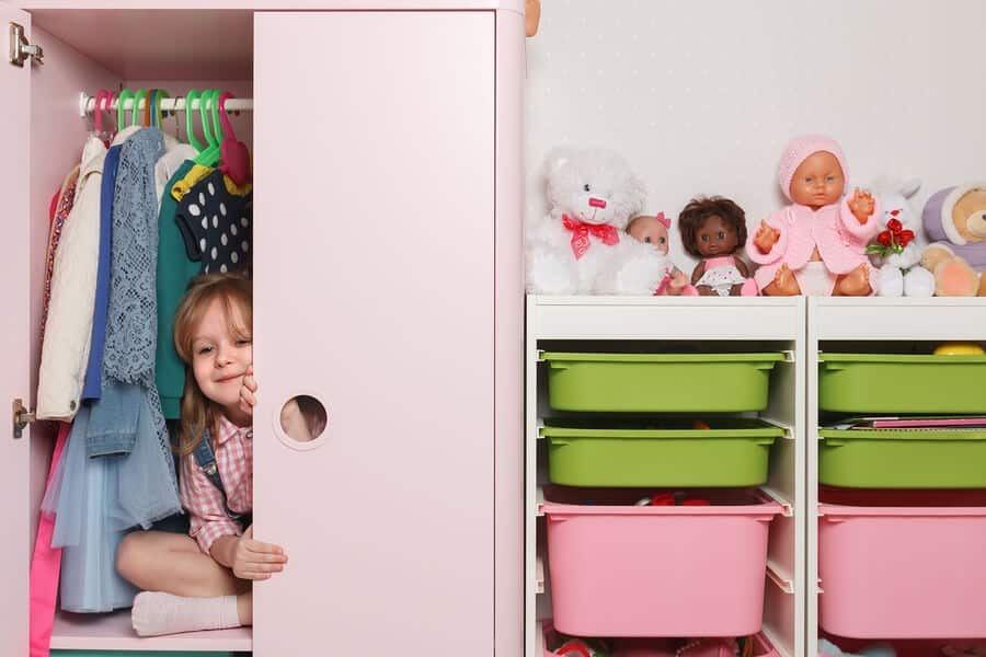 Customized Closets to Keep Kids Organized 3