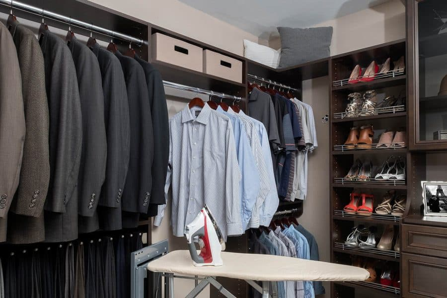 walk-in closets with hanging rods