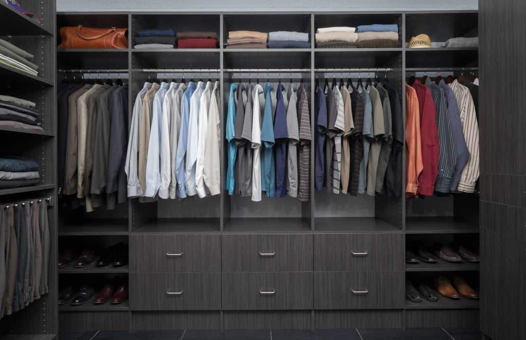 custom walk-in closets design