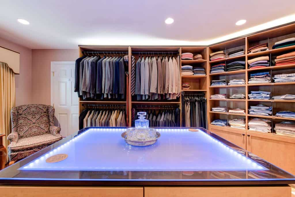Robert's Closet Design