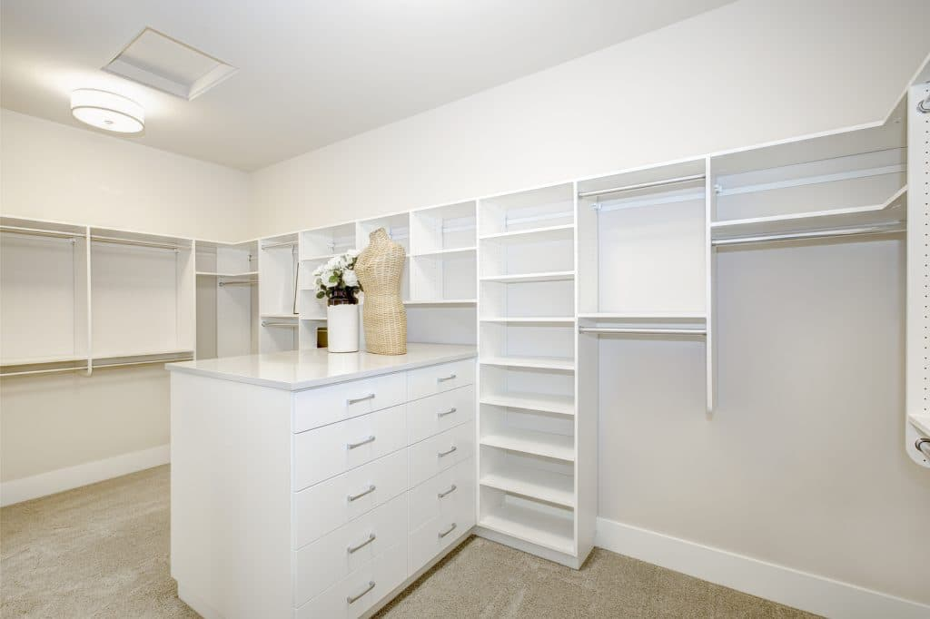 Stunning Walk In Closets Designs For Both Large Amp Small