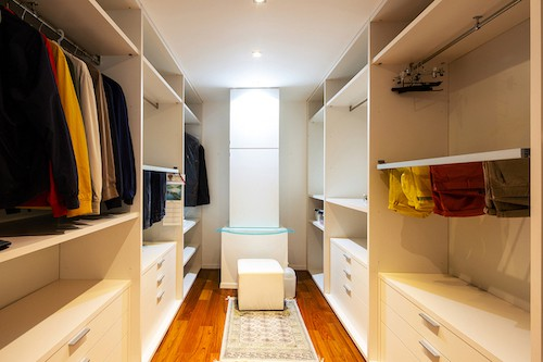 6 Reasons Why Your Bedroom Needs a Custom Closet 1